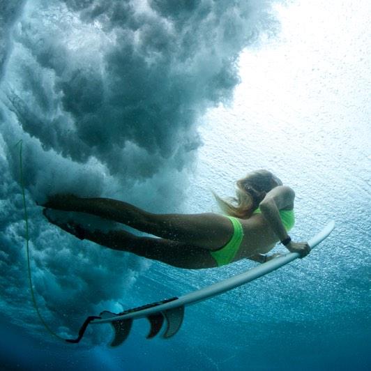 Adrenalina sobre as águas e debaixo da superfície